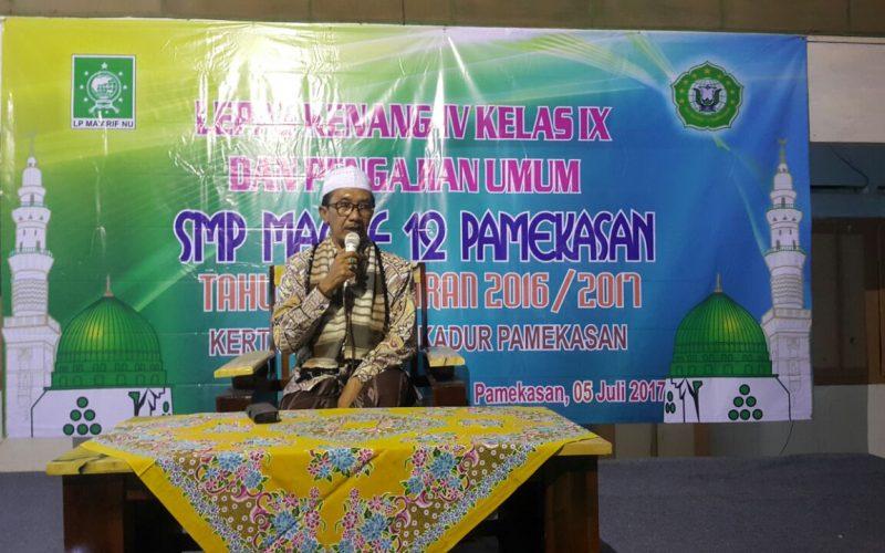 Mustasyar PCNU Pamekasan, DR. KH. Kholilurrahman, SH, M. Si, saat memberikan ceramah.